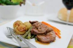 烤羊肉蔬菜 免版税库存照片