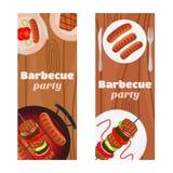 烤肉党飞行物,邀请横幅 油煎的肉,香肠 库存图片