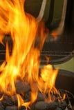 烤肉木炭开始 库存图片