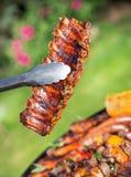 烤肉格栅用鲜美肉,特写镜头 免版税库存照片