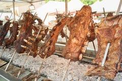 烤肉牛肉烹调 Asado是传统阿根廷dis 免版税库存图片