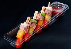 烤肉牛肉配件箱使准备好 免版税库存照片