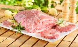 烤肉牛颈肉原始的牛排 库存图片