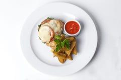 烤肉用蕃茄和蛋黄酱,土豆 免版税库存照片