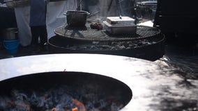 烤肉的大火炉 股票视频
