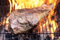 烤肉羊腿 免版税库存照片