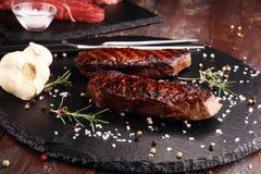 烤肋骨眼睛牛排或臀部的牛排-烘干年迈的Wagyu Entrecote牛排 免版税库存照片