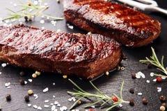 烤肋骨眼睛牛排或臀部的牛排-烘干年迈的Wagyu Entrecote牛排 免版税库存图片
