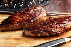 烤肋骨眼睛牛排或臀部的牛排-烘干年迈的Wagyu Entrecote牛排 库存图片