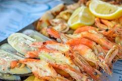 烤虾和淡菜 库存图片