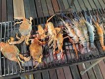 烤虾和螃蟹 图库摄影