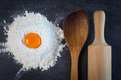 烤蛋面粉 免版税库存图片