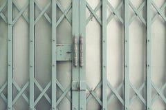烤门在房子里保护所有事 免版税库存照片