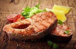 烤鲑鱼排切片 免版税图库摄影