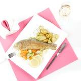 烤鳟鱼 免版税库存图片