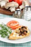 烤鸡乳房用蘑菇 免版税库存图片
