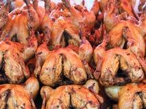 烤鸡在泰国市场上 图库摄影