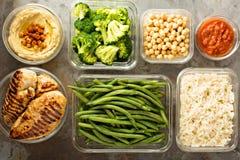 烤鸡膳食预习功课用煮熟的米 库存照片