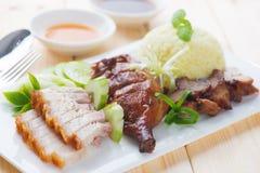 烤鸭子、烤猪肉酥脆siu yuk和Charsiu中国st 免版税图库摄影