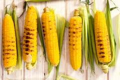 烤年轻玉米 免版税库存照片