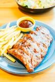 烤Bbq或烤肉肋骨用炸薯条 库存照片