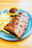 烤Bbq或烤肉肋骨用炸薯条 库存图片
