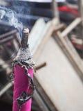 烧为旧历新年的大香火棍子在大理中国 库存照片
