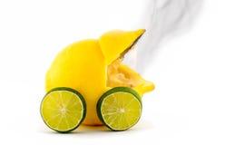 烧光柠檬汽车 库存照片