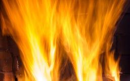 烧夜的火 免版税库存图片