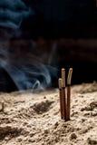 烧寺庙的香火棍子 免版税库存照片