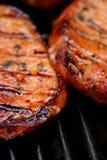 烧得发嘶声热的肉 库存图片