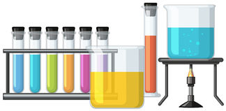 烧杯充满五颜六色的液体 皇族释放例证