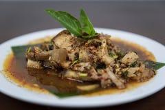热和辣烤猪肉沙拉,Nam图克Moo,泰国食物 库存图片