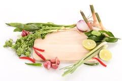 热和酸泰国汤-汤姆薯类的食谱 免版税图库摄影