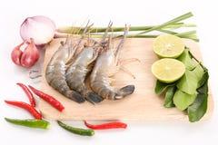 热和酸泰国汤-汤姆薯类Kung的食谱- 免版税图库摄影