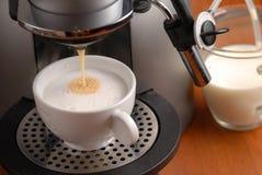 热奶咖啡做 库存照片