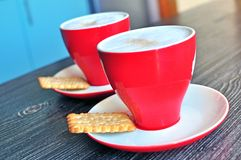 热奶咖啡托起二 库存照片