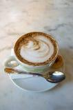 热奶咖啡桂香 免版税库存图片