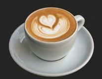 热奶咖啡艺术:心脏 库存照片