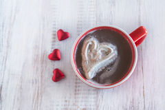 热巧克力与华伦泰心脏的冬天饮料 库存图片