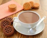 热巧克力和曲奇饼 库存照片