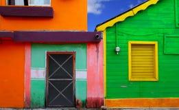 热带加勒比五颜六色的房子isla的mujeres 免版税库存图片