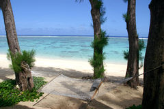 热带吊床的海岛 免版税库存照片