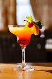热带夏天水果的coctail 免版税库存图片