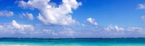 热带天堂海滩。 免版税图库摄影