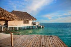 热带小屋的杆 库存图片