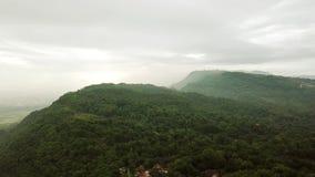 热带小山空中风景在印度尼西亚 股票视频