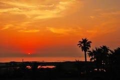 热带平静的日落 免版税图库摄影