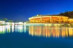 热带手段三角落晴朗的海滩在Hurghada 库存照片