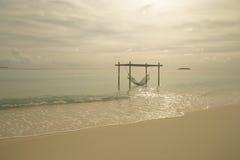 热带海岛和沙子海滩异乎寻常的旅行 免版税库存图片